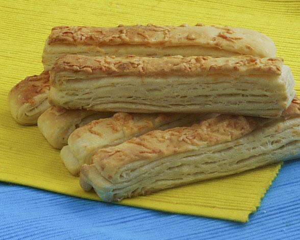Kelt tésztás sajtos rúd