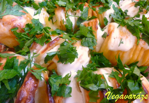 Sült krumpli extrákkal