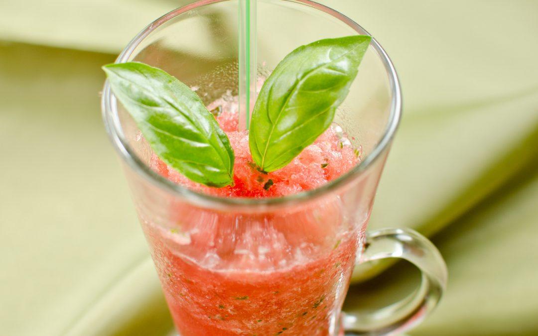 Bazsalikomos görögdinnye-jégkása