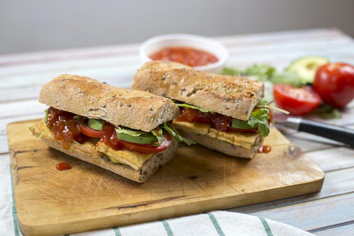 Vegetáriánus hoagie szendvics