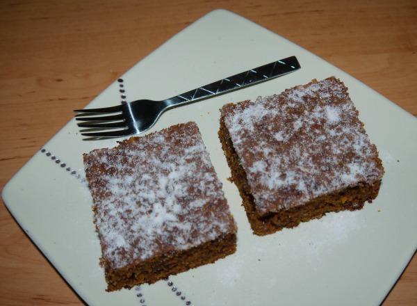 Mogyorós, csokis répás sütemény