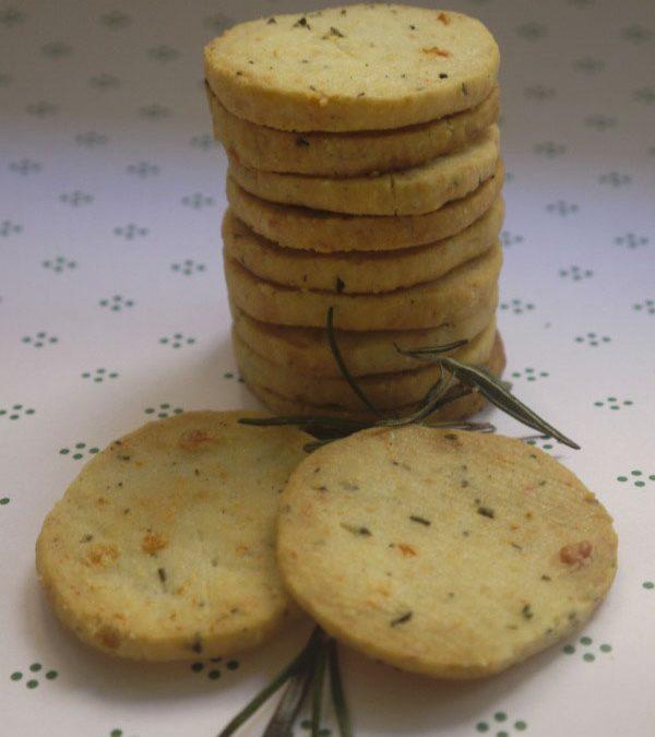 Rozmaringos-sajtos tallér