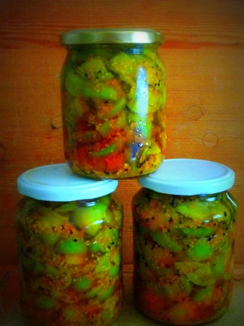 Zöldparadicsom achar (pickle)